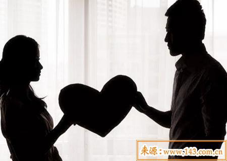 生辰八字看男人的婚姻