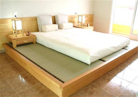 卧室门对床风水化解