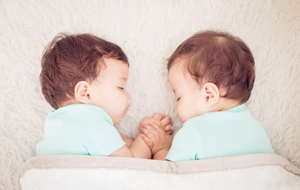 双胞胎八字相同命不同
