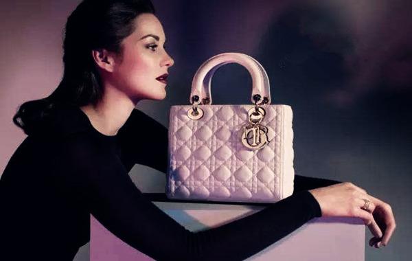 八字看什么女人爱奢侈品