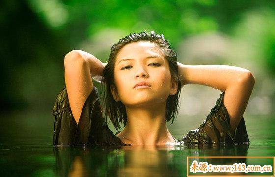 女人命里水多说明什么