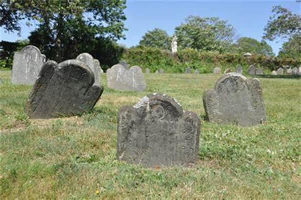 为什么迁坟容易死人